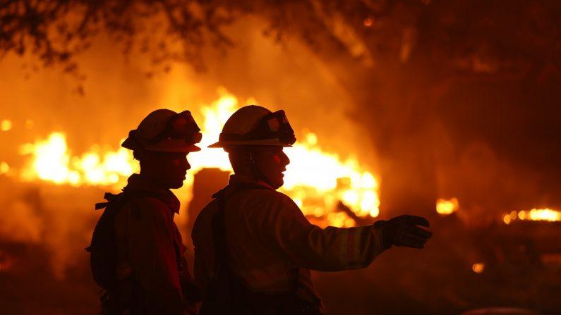Grande incêndio na Califórnia causa evacuação de 8.000 pessoas