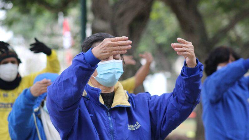 'Polícia do Peru não conseguia acreditar': praticante chinês do Falun Dafa relata assédio por parte do regime fora da China