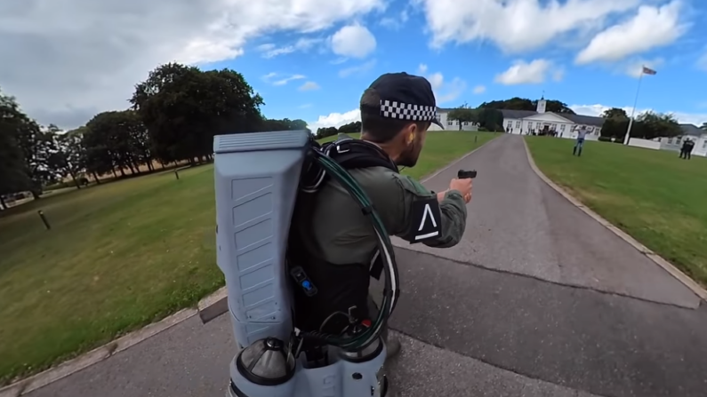 Policial voador pode se tornar realidade na Inglaterra