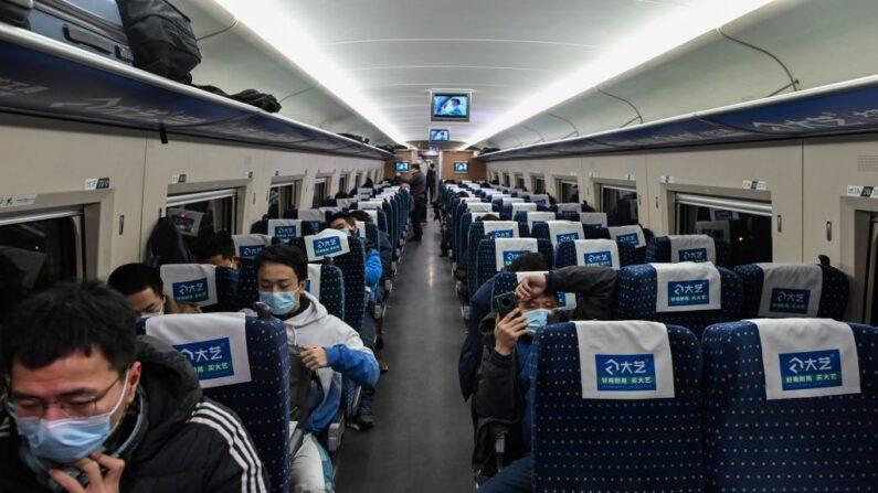 Variante delta da COVID-19 se espalha pela China, Pequim interrompe transporte intermunicipal