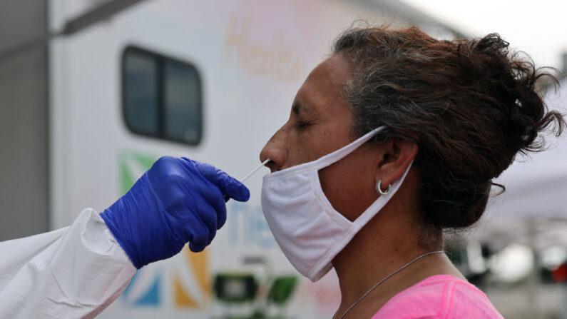 Flórida bate recorde de casos e hospitalizações por COVID-19 à medida que os números aumentam nos EUA