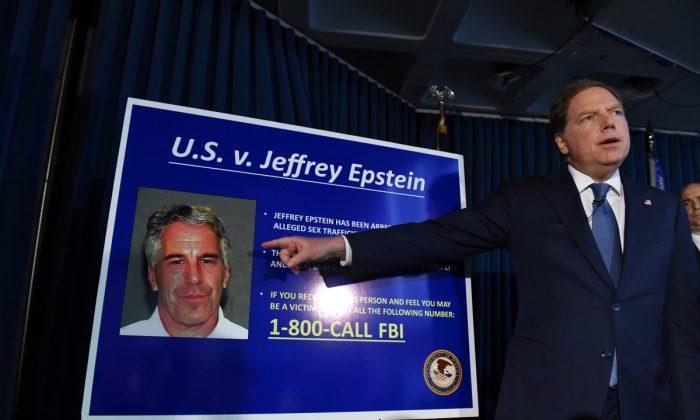 Fundo para pagar vítimas de Epstein envia US$ 125 milhões para 150 pessoas