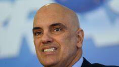 Bolsonaro apresenta no Senado pedido de impeachment de Alexandre de Moraes