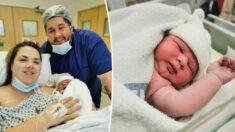 Mulher fica impressionada ao dar à luz a bebê enorme: ele pesava 4,5 kg e tinha 60 cm!