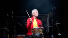Morre aos 80 anos Charlie Watts, baterista dos Rolling Stones