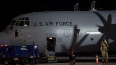 'Centenas' de americanos ainda estão no Afeganistão após último voo militar, afirma CENTCOM