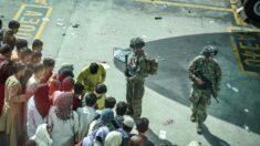 Cerca de 11.000 americanos permanecem no Afeganistão controlado pelo Talibã, afirma Casa Branca