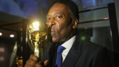 Pelé tem instabilidade respiratória e é transferido para UTI