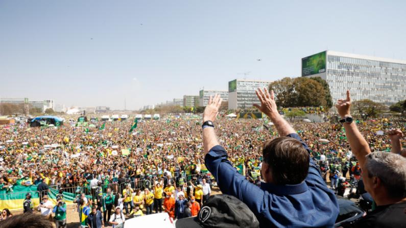 'Brasil deu o grito de liberdade, um novo grito de independência', diz Rodolpho Loreto sobre manifestações