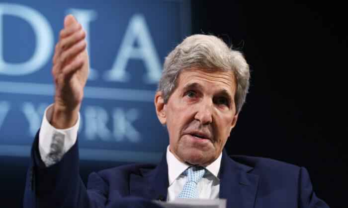 John Kerry atrai críticas por não questionar os crimes do PCC contra os uigures