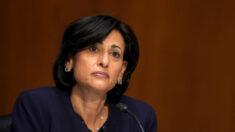 Diretor do CDC: perda de profissionais de saúde não vacinados é um 'desafio'