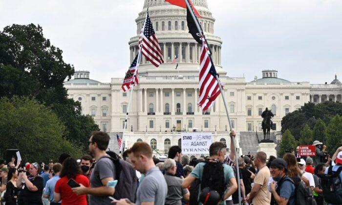 Polícia e mídia podem ter superado o número de manifestantes no 'Justiça para J6' no Capitólio