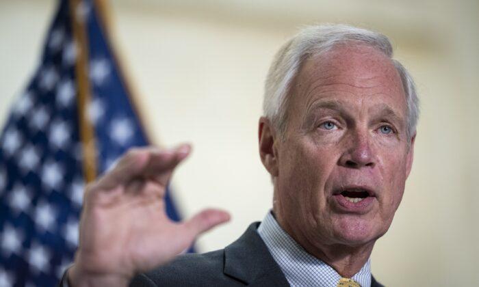 Senador Johnson: agências de saúde estão 'ignorando a imunidade natural'