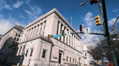 Suprema Corte da Virgínia concorda com professor que se opõe a pronomes transgêneros