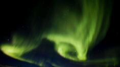 Tempestade geomagnética solar pode causar quedas de energia e satélites esta semana, diz Agência
