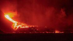 Lava de vulcão na Espanha já atingiu mais de 1.000 edificações