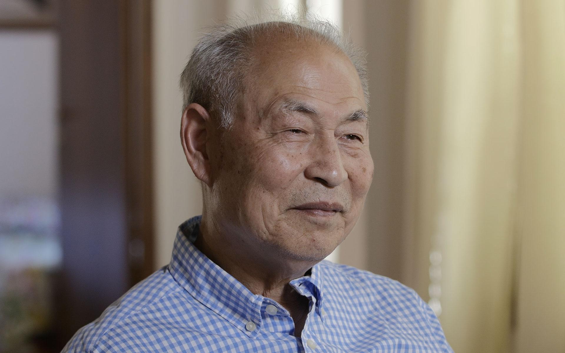 Zhang Kunlun, fundador da Exposição Internacional da Arte de Zhen-Shan-Ren (Verdade, Compaixão, Tolerância) (artofcouragefilm.com)