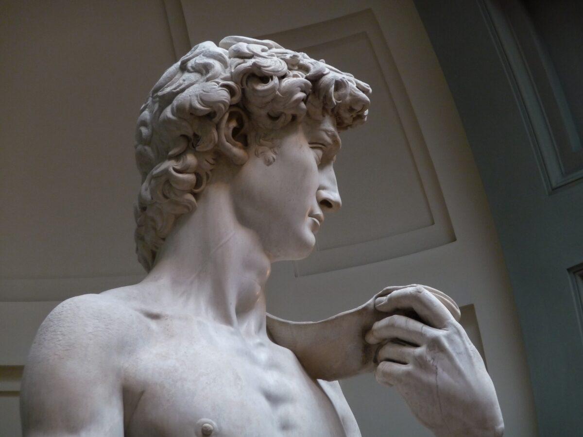 """David"", 1501-1504, de Michelangelo. Galleria dell'Accademia, Florença (CC-BY-3.0)"