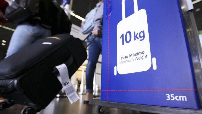 Diretor da Anac terá que explicar mentira para liberar cobrança de bagagens