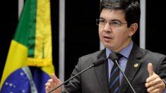 Randolfe apoia veto e lembra que foi Bolsonaro o eleito presidente da República