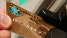 Bolsonaro reduz em seis vezes os usuários de cartão corporativo do governo