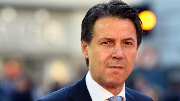 O primeiro-ministro italiano Giuseppe Conte chega à Universidade Mozarteum para participar de uma sessão plenária que faz parte da Cúpula Informal de Chefes de Estado ou de Governo da UE em Salzburgo, Áustria, em 20 de setembro de 2018 (Christof Stache / AFP / Getty Images)