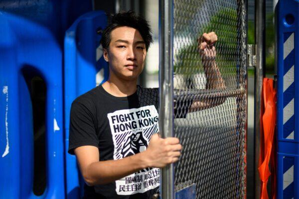 Jimmy Sham, organizador da Frente Civil de Direitos Humanos (CHRF), posa durante uma entrevista à AFP em Hong Kong em 20 de agosto de 2019 (ANTHONY WALLACE / AFP / Getty Images)