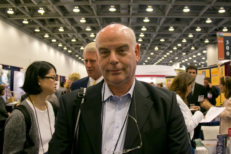 Professor Jacob Lavee, diretor da Unidade de Transplante de Coração no maior centro médico de Israel, o Centro Médico de Sheba (Alex Ma/Epoch Times)