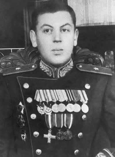 O segundo filho de Josef Stalin, Vasily Dzhugashvili (domínio público)