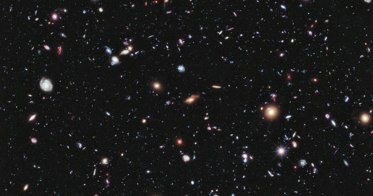 Galáxias além da Via Láctea, foto tirada pelo Hubble (NASA)
