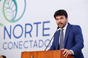 O ministro das Comunicações, Fabio Faria, durante a cerimônia de lançamento do programa Norte Conectado