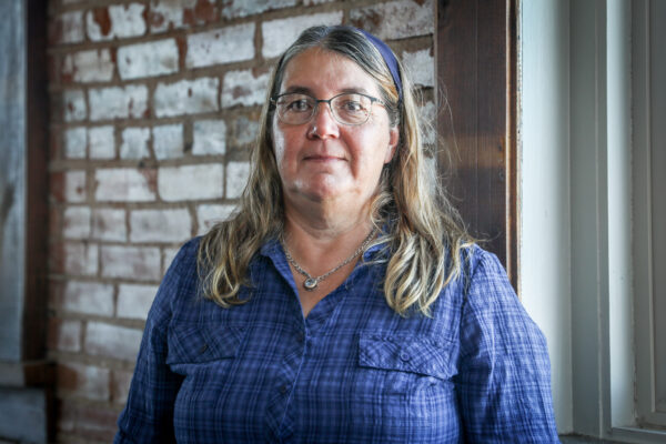 Dra. Karen Randall, médica de emergência e pediatra, em Pueblo, Colorado, em 29 de setembro de 2020 (Charlotte Cuthbertson / The Epoch Times)