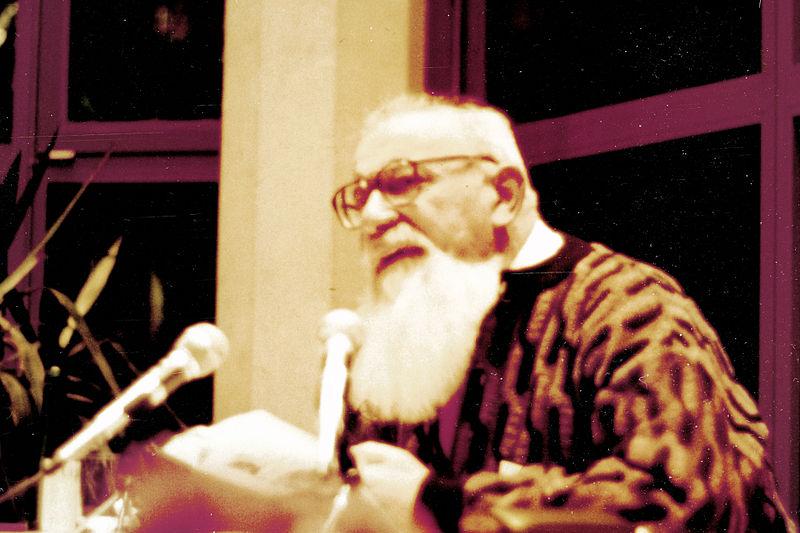 Lev Kopelev, escritor e dissidente russo, em uma leitura em Bad Münstereifel, Alemanha, em 4 de abril de 2012 (Elke Wetzig/Domínio Pùblico)