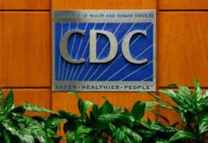 Um pódio com o logotipo do CDC