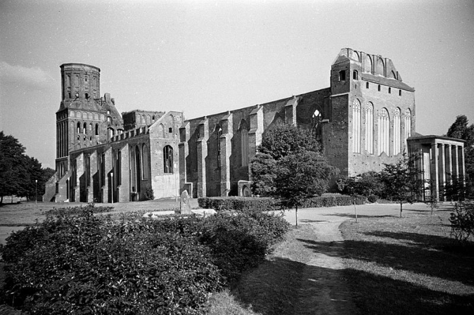 Uma foto de 1988 mostra a catedral abandonada de Königsberg (Yuri Syuganov/CC-BY 2.0)