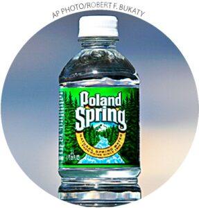 A Poland Spring, uma subsidiária da Nestlé, extrai uma parte de sua água do aquífero Fryeburg, no Maine.  Uma organização sem fins lucrativos perdeu um recurso em maio para evitar que a empresa retirasse 603.000 galões de água por dia com a mesma tarifa básica dos residentes de Fryeburg.